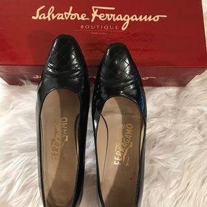 Salvatore Ferragamo 6 1/2 AA Blk Patent Quilt Toe